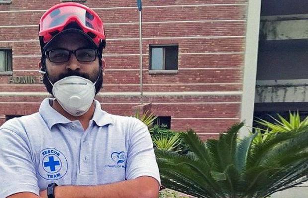 Người đàn ông may mắn thoát chết trong vụ rơi máy bay Pakistan vì lỗi hệ thống đặt vé online - Ảnh 5