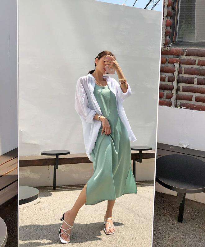 Để không lộ bắp tay 'lực sĩ' như Á hậu Diễm Trang, chị em nên sắm ngay 5 kiểu áo này nhé - Ảnh 6
