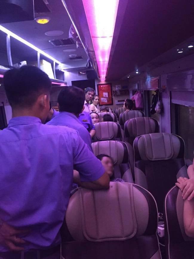 Người phụ nữ giả ngất không cho người khác ngồi cạnh trên tàu, ngang nhiên chiếm 2 ghế khiến dân mạng chán ngán - Ảnh 3