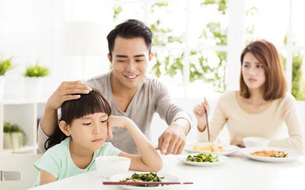 2 thời điểm cha mẹ tuyệt đối không nên mắng con dù có đang bực bội đến mấy - Ảnh 1
