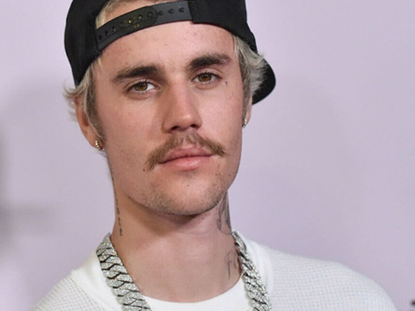 CHẤN ĐỘNG: Billboard đưa tin Justin Bieber bị cáo buộc hiếp dâm 2 người phụ nữ trong lúc hẹn hò Selena Gomez - Ảnh 1