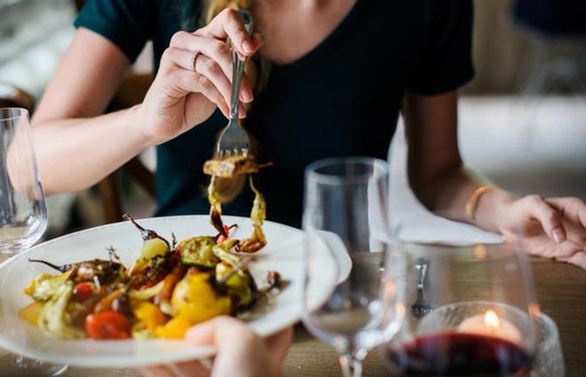 7 nguyên tắc đơn giản giúp phòng tránh ngộ độc thực phẩm trong mùa hè - Ảnh 7