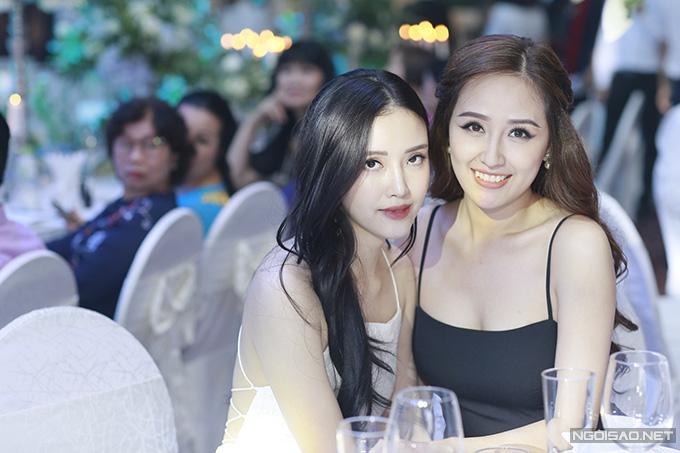 Mai Phương Thuý mặc váy dây khoe vòng 1 'nhức mắt' tại đám cưới Tú Anh - Ảnh 1