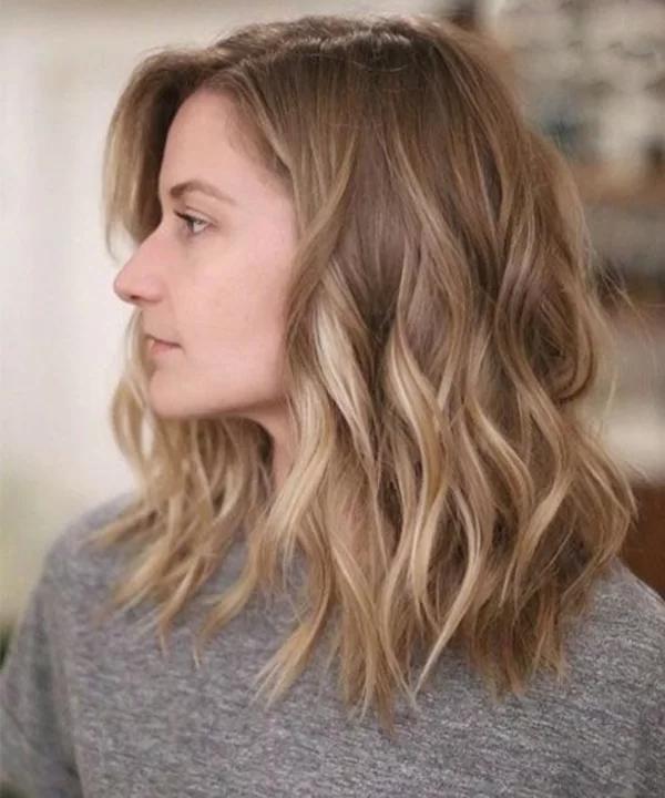 8 mẫu tóc xoăn lỡ giúp nàng trông thời thượng mà không bị già - Ảnh 1