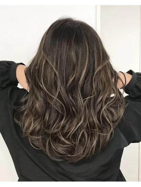 8 mẫu tóc xoăn lỡ giúp nàng trông thời thượng mà không bị già - Ảnh 6