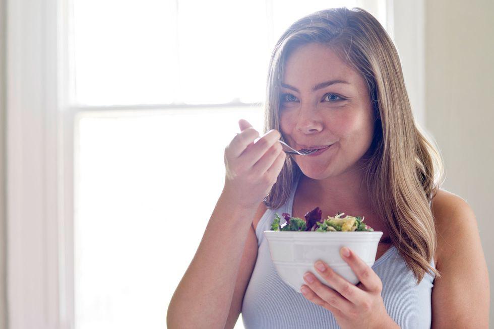 Áp dụng chế độ ăn Keto giàu chất béo ít carb để giảm cân thì đừng quên lưu ý về 6 tác dụng phụ này - Ảnh 4