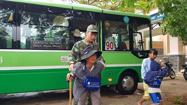 Bão số 9 đổ bộ vào Bình Thuận - Bến Tre, mưa lớn lan tới Trung Trung Bộ - Ảnh 2