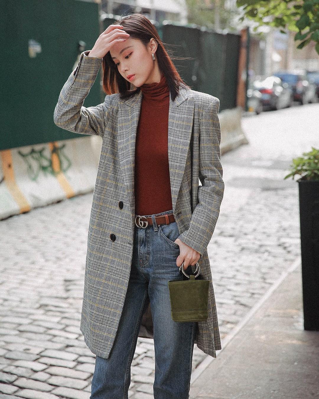 Diện quần jeans đi làm quả thực thú vị, nhưng mặc sao cho đúng chất công sở thì bạn cần nhớ 3 công thức sau - Ảnh 2