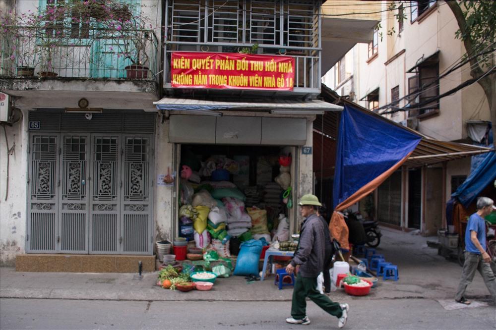 Hà Nội: Hàng chục hộ dân nhà bêtông kiên cố thảng thốt vì bị đưa vào diện thu hồi nhà gỗ 'xập xệ' - Ảnh 5