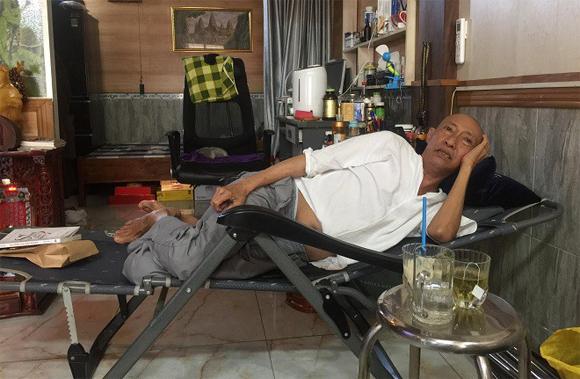 Nghệ sĩ Lê Bình: Bệnh đã di căn vào xương, 'sống chết khó lường' vì mọc thêm khối u ở phổi - Ảnh 2
