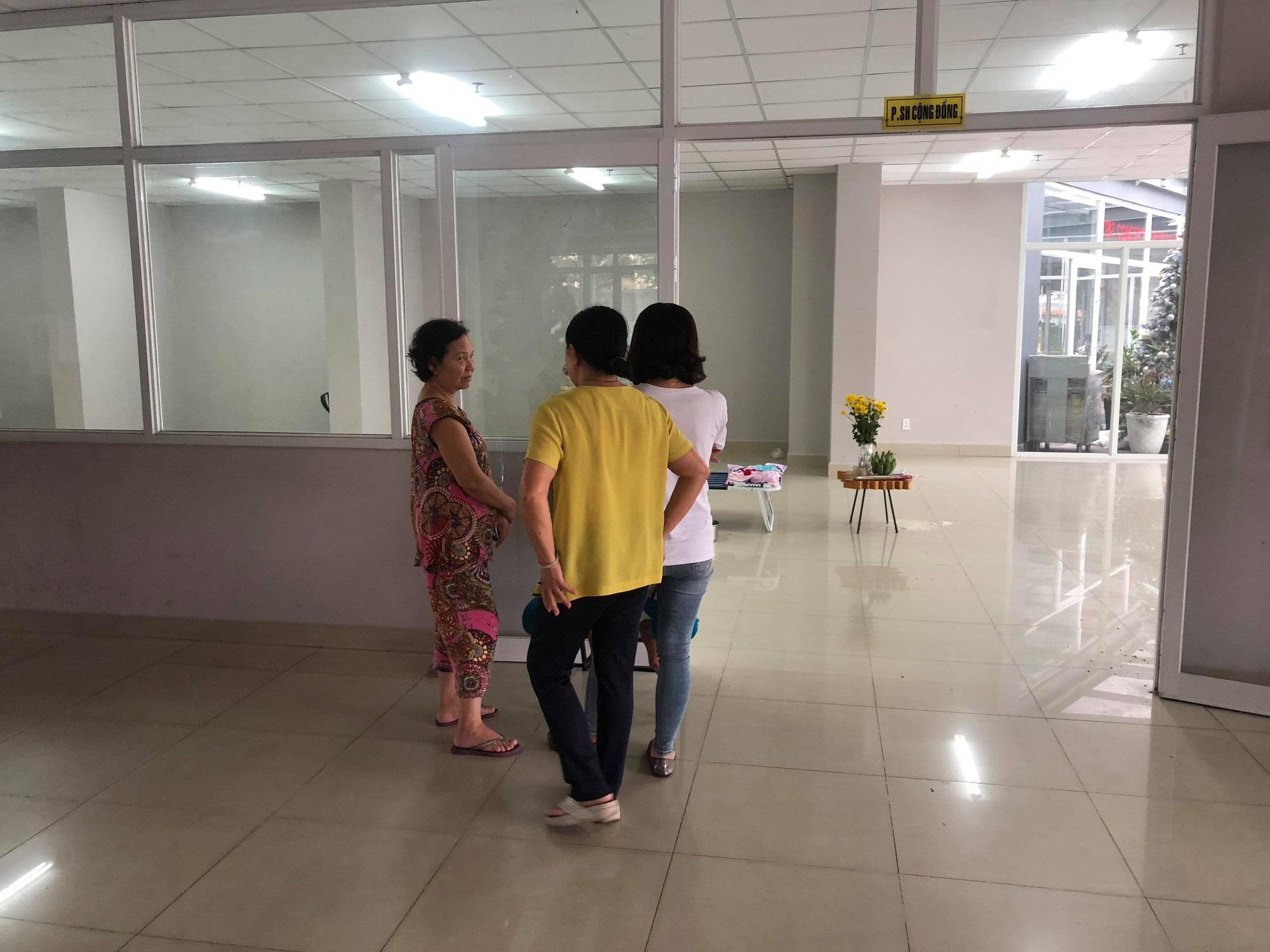 TP.HCM: Cha mẹ vắng nhà, bé gái 6 tuổi rơi từ chung cư cao tầng xuống đất tử vong - Ảnh 3