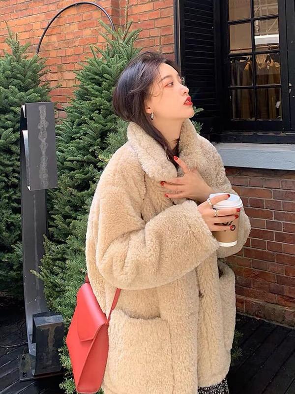 Top 4 kiểu áo khoác vừa ấm áp vừa thời trang đón Tết Nguyên Đán - Ảnh 7