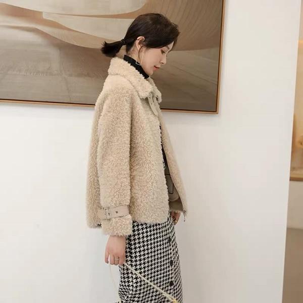 Top 4 kiểu áo khoác vừa ấm áp vừa thời trang đón Tết Nguyên Đán - Ảnh 9