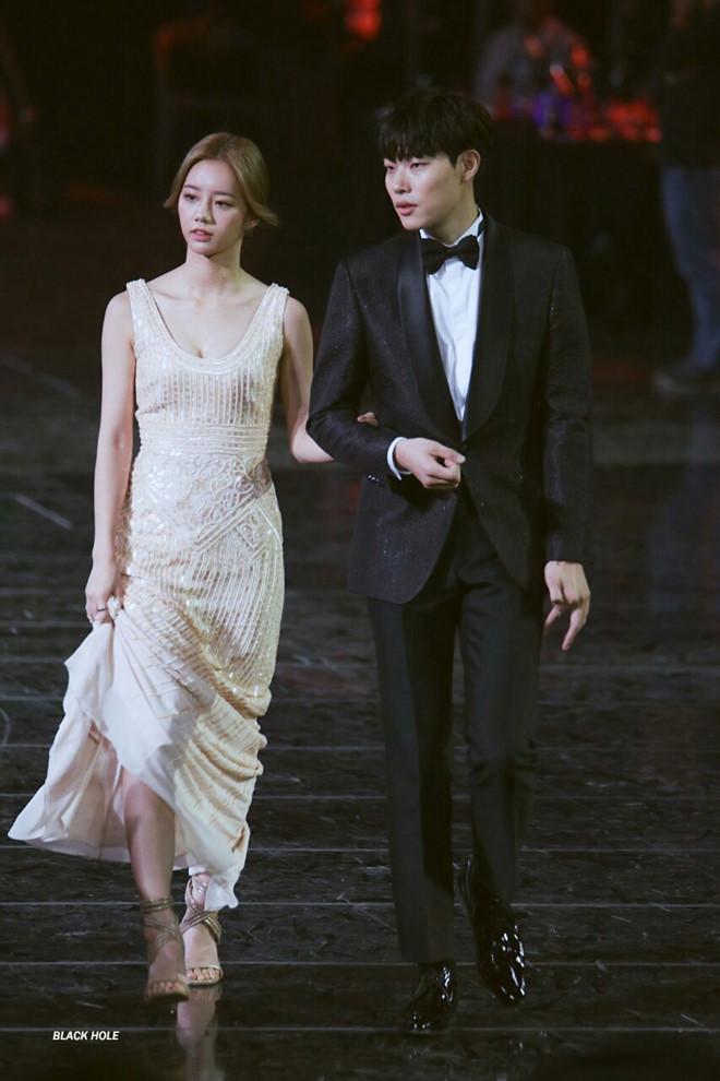 4 đám cưới của sao Hàn được mong đợi nhất 2019 - Ảnh 10