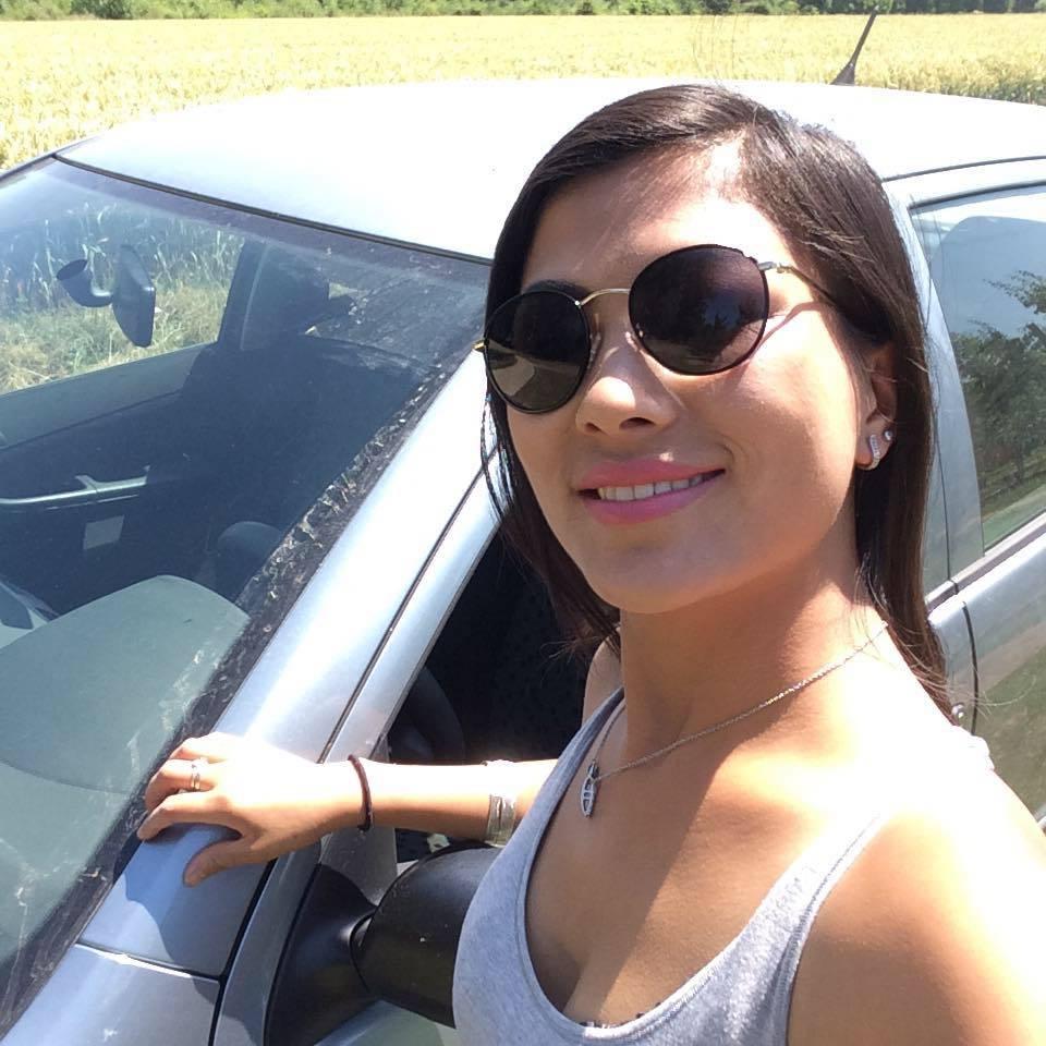Cô bé H'Mông nói tiếng Anh như gió lấy chồng là doanh nhân Bỉ - Ảnh 1