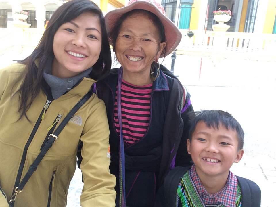 Cô bé H'Mông nói tiếng Anh như gió lấy chồng là doanh nhân Bỉ - Ảnh 9