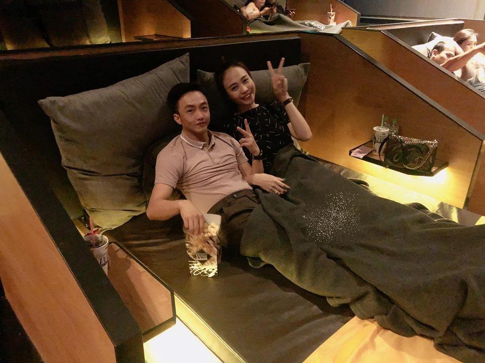 1 tháng sau đám hỏi, Cường Đô la tung ảnh 'giường chiếu' với Đàm Thu Trang - Ảnh 2