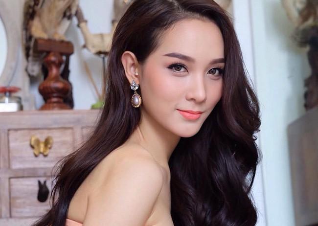 Soi mặt mộc của dàn mỹ nhân chuyển giới hot nhất Thái Lan: Nong Poy quá đỉnh, Yoshi đẹp tựa thiên thần đời thực - Ảnh 11