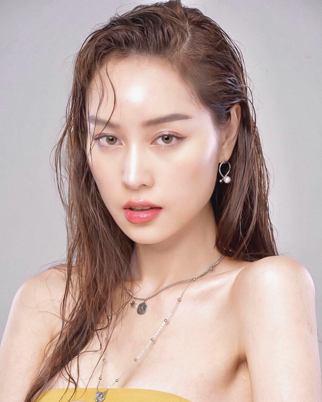 Soi mặt mộc của dàn mỹ nhân chuyển giới hot nhất Thái Lan: Nong Poy quá đỉnh, Yoshi đẹp tựa thiên thần đời thực - Ảnh 20