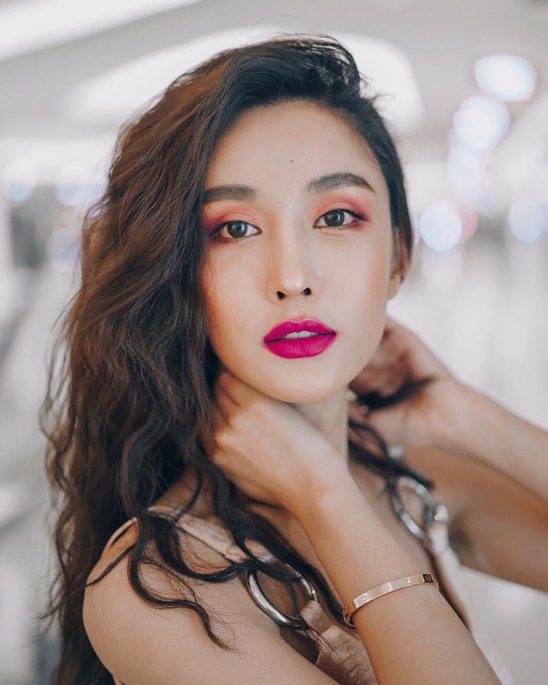 Soi mặt mộc của dàn mỹ nhân chuyển giới hot nhất Thái Lan: Nong Poy quá đỉnh, Yoshi đẹp tựa thiên thần đời thực - Ảnh 26