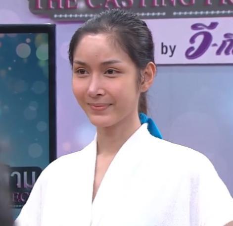Soi mặt mộc của dàn mỹ nhân chuyển giới hot nhất Thái Lan: Nong Poy quá đỉnh, Yoshi đẹp tựa thiên thần đời thực - Ảnh 27