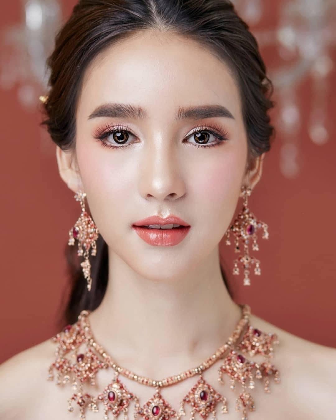 Soi mặt mộc của dàn mỹ nhân chuyển giới hot nhất Thái Lan: Nong Poy quá đỉnh, Yoshi đẹp tựa thiên thần đời thực - Ảnh 6