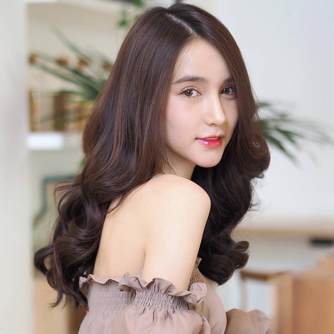 Soi mặt mộc của dàn mỹ nhân chuyển giới hot nhất Thái Lan: Nong Poy quá đỉnh, Yoshi đẹp tựa thiên thần đời thực - Ảnh 9