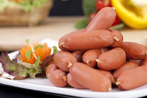 Cách làm xúc xích heo cực đơn giản tại nhà, ai ăn cũng gật đầu khen ngon - Ảnh 6
