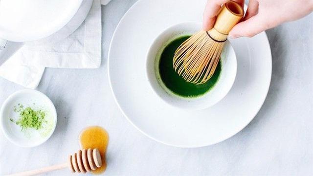 Bột trà xanh và những cách làm đẹp da hiệu quả bất ngờ - Ảnh 7