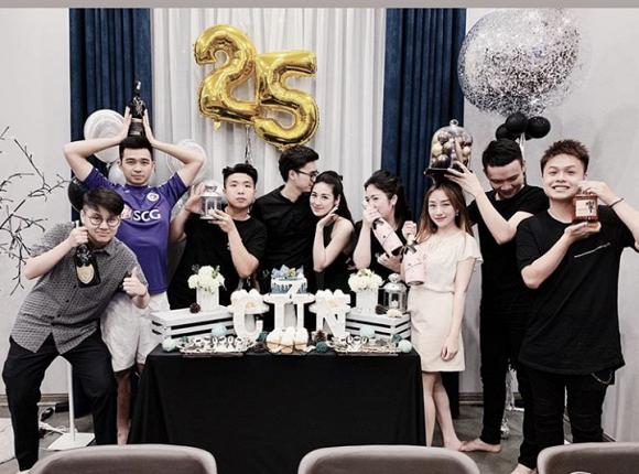 Dù cố giấu nhưng Tú Anh vẫn lộ không gian tiệc sinh nhật cho chồng thiếu gia do chính mình chuẩn bị - Ảnh 2