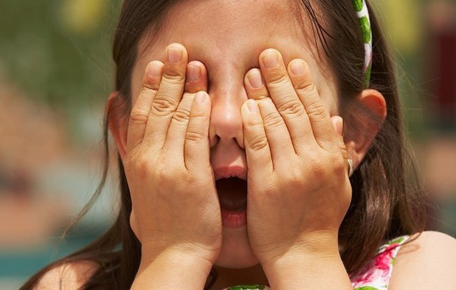 Nếu phát hiện con có 7 dấu hiệu sau chứng tỏ cha mẹ cần cho trẻ hoạt động ngoài trời nhiều hơn nữa - Ảnh 1