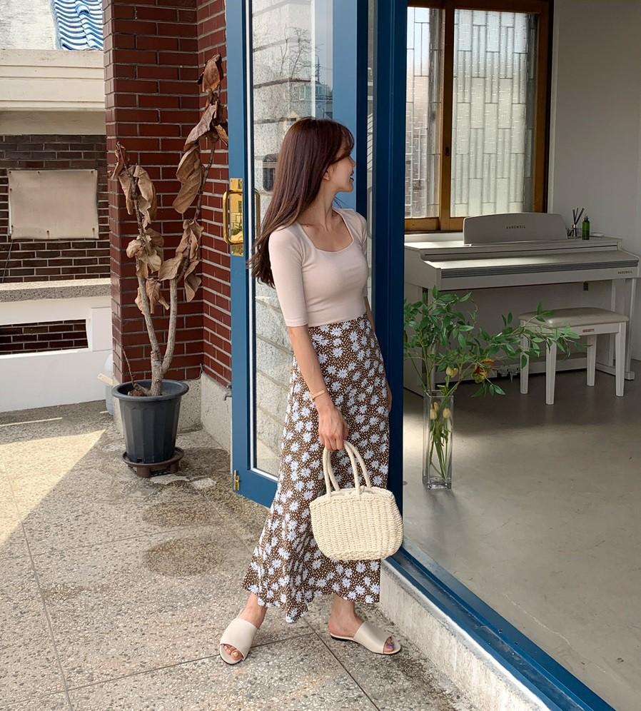 Sao có thể đi qua mùa hè mà thiếu đi chân váy? Và đây là 5 gợi ý xinh đẹp mát mẻ bạn nên sắm ngay - Ảnh 1