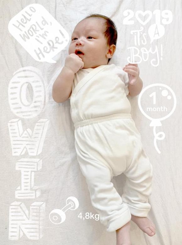 Siêu mẫu Phạm Ngọc Thạch lần đầu khoe ảnh con trai thứ hai - Ảnh 1
