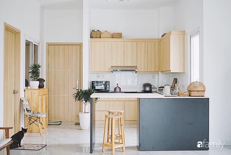 Dù là căn hộ đi thuê nhưng đôi vợ chồng yêu thích sống tự do ở Sài Gòn đã thiết kế nội thất theo phong cách tối giản vô cùng hợp lý lại tiết kiệm - Ảnh 3