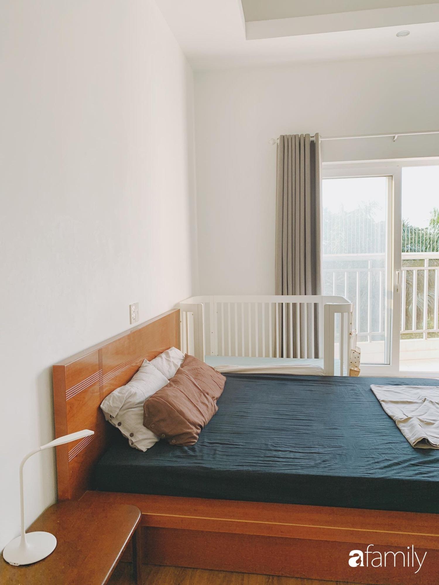 Dù là căn hộ đi thuê nhưng đôi vợ chồng yêu thích sống tự do ở Sài Gòn đã thiết kế nội thất theo phong cách tối giản vô cùng hợp lý lại tiết kiệm - Ảnh 8