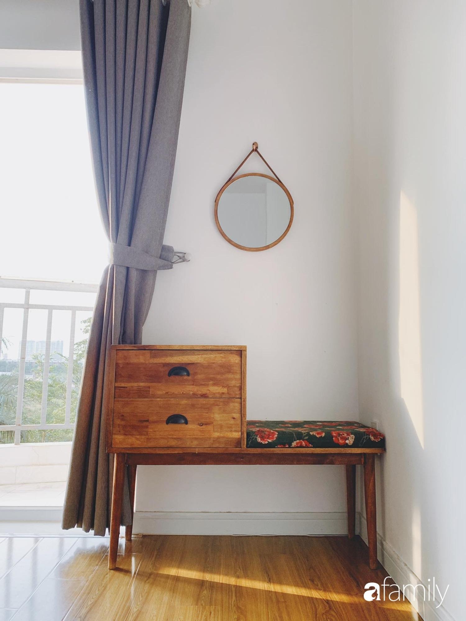 Dù là căn hộ đi thuê nhưng đôi vợ chồng yêu thích sống tự do ở Sài Gòn đã thiết kế nội thất theo phong cách tối giản vô cùng hợp lý lại tiết kiệm - Ảnh 10