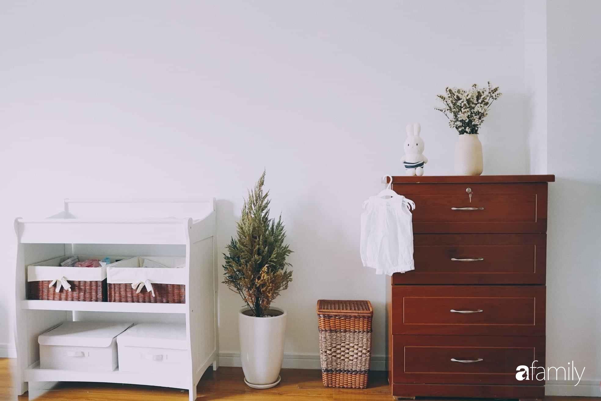 Dù là căn hộ đi thuê nhưng đôi vợ chồng yêu thích sống tự do ở Sài Gòn đã thiết kế nội thất theo phong cách tối giản vô cùng hợp lý lại tiết kiệm - Ảnh 13