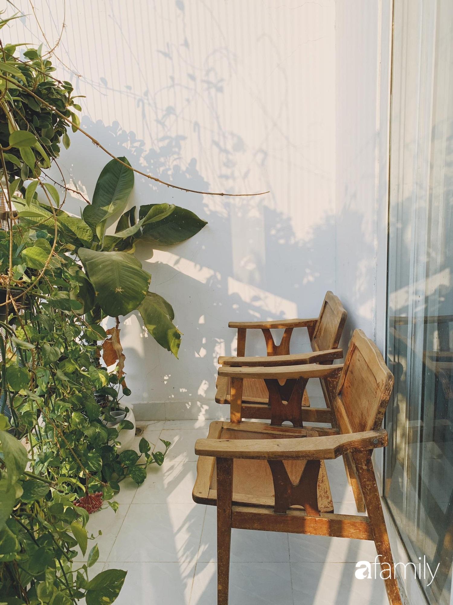 Dù là căn hộ đi thuê nhưng đôi vợ chồng yêu thích sống tự do ở Sài Gòn đã thiết kế nội thất theo phong cách tối giản vô cùng hợp lý lại tiết kiệm - Ảnh 14