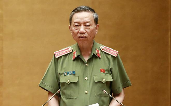 Đại tướng Tô Lâm trình phương án bỏ sổ hộ khẩu, bãi bỏ 13 nhóm thủ tục liên quan - Ảnh 1