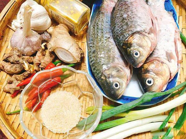 Cá kho nghệ miền Trung thơm ngon béo ngậy với cách làm đơn giản - Ảnh 1