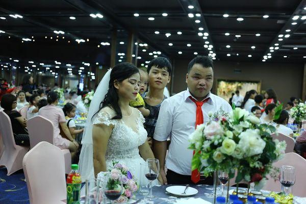 """Đám cưới trong mơ của cặp vợ chồng mù loà: 'Chưa bao giờ nhìn thấy nhau nhưng tôi cảm nhận được tình yêu của nhau"""". - Ảnh 6"""