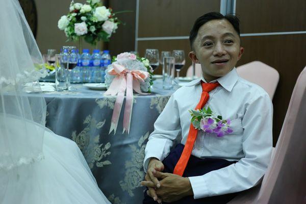 """Đám cưới trong mơ của cặp vợ chồng mù loà: 'Chưa bao giờ nhìn thấy nhau nhưng tôi cảm nhận được tình yêu của nhau"""". - Ảnh 8"""