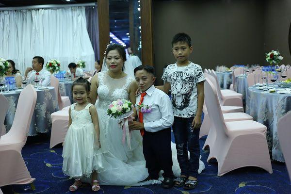 """Đám cưới trong mơ của cặp vợ chồng mù loà: 'Chưa bao giờ nhìn thấy nhau nhưng tôi cảm nhận được tình yêu của nhau"""". - Ảnh 10"""