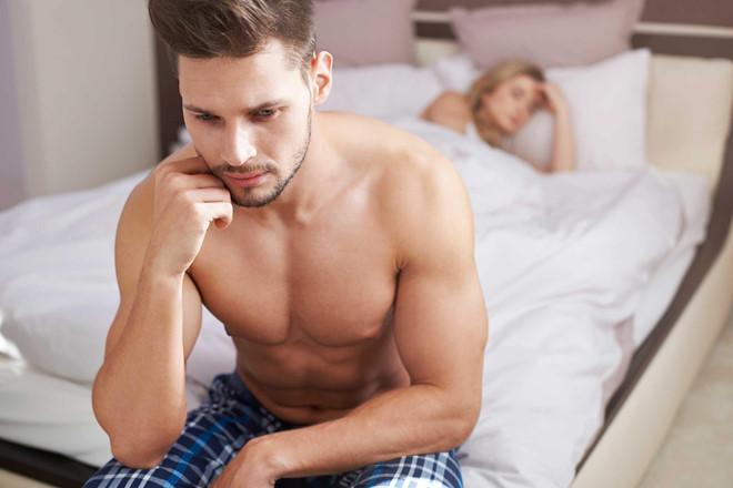 Nhịn 'yêu' quá lâu tác động như thế nào tới cơ thể nam giới? - Ảnh 1