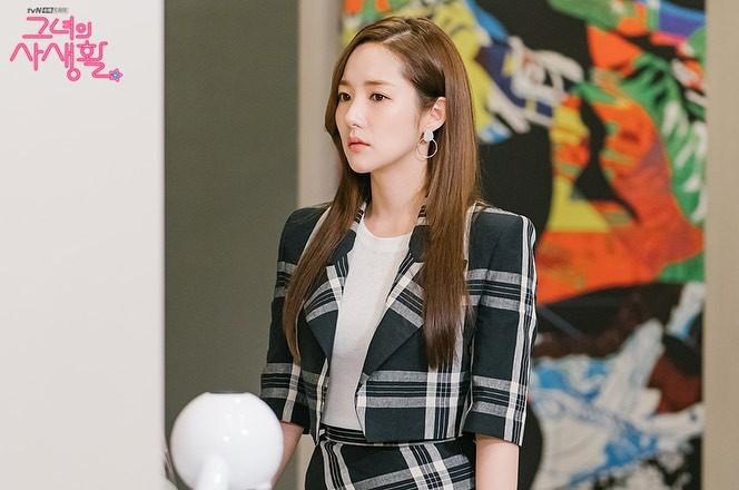 Phim Hàn gần đây có thể ảm đạm, nhưng thời trang trong đó vẫn là nguồn cảm hứng dạt dào cho chị em công sở - Ảnh 13
