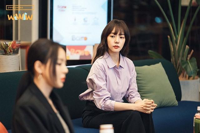 Phim Hàn gần đây có thể ảm đạm, nhưng thời trang trong đó vẫn là nguồn cảm hứng dạt dào cho chị em công sở - Ảnh 7