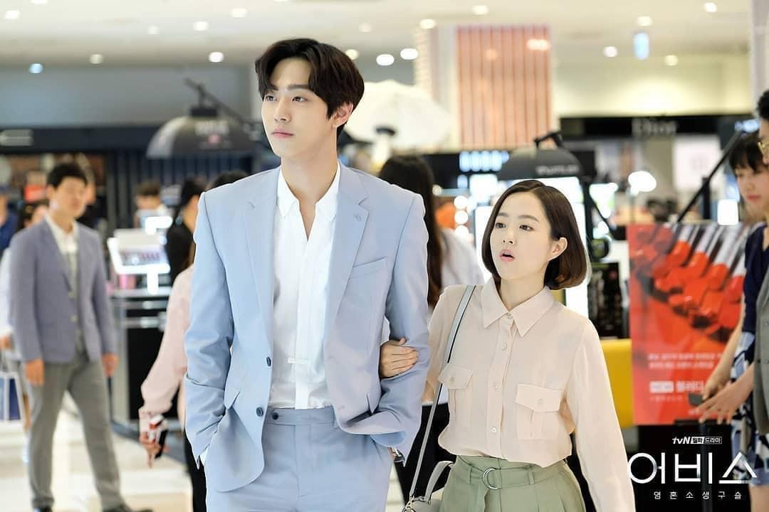 Phim Hàn gần đây có thể ảm đạm, nhưng thời trang trong đó vẫn là nguồn cảm hứng dạt dào cho chị em công sở - Ảnh 8