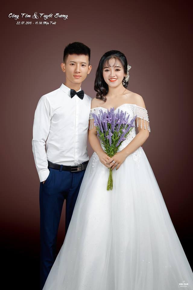 Nghệ An: Chú rể 'phi trâu' đến rước dâu khiến bao người chạy ra xem, giúp đỡ - Ảnh 1