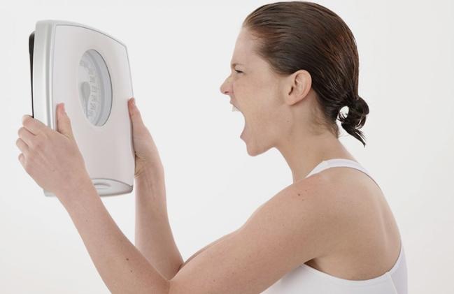 Đây là lý do khiến phụ nữ U40 dễ tăng cân - Ảnh 1