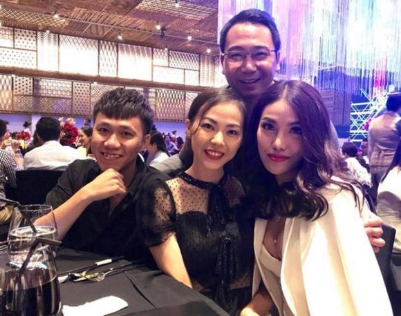 Đi ăn cưới Lan Khuê cùng hôn phu chạm mặt Thuý Vân, 'lơ đẹp' nhưng vẫn văn minh - Ảnh 4